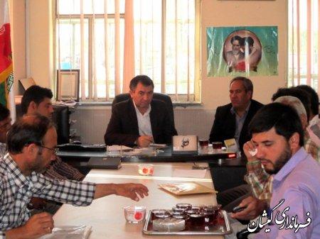 تشکیل جلسه مشترك اعضاي شوراي اسلامي و دهياران بخش گلدشت با فرماندار