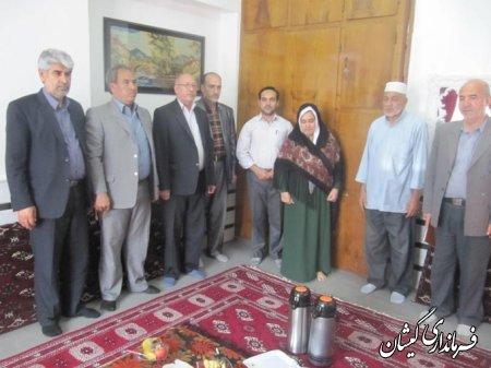 ديدار با دو خانواده شهيد فرهنگي در سيمين شهر به مناسبت  هفته معلم