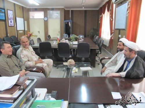 ملاقات رئیس عقیدتی سیاسی پایگاه دریابانی ترکمن - گمیشان با فرماندار گمیشان