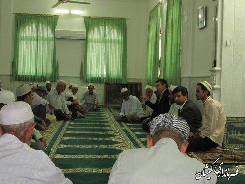 دیدار فرماندار گمیشان با اهالی محترم روستای دهنه در ماه مبارک رمضان