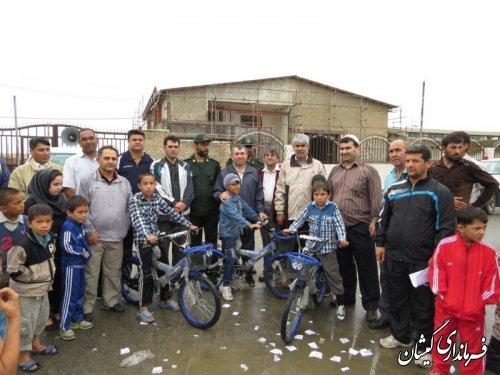 همایش پیاده روی خانوادگی با حضور فرماندار گمیشان در سیمین شهر