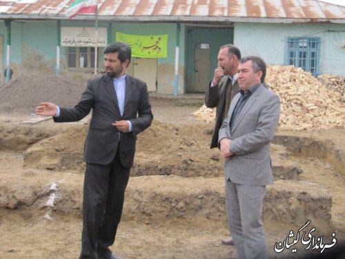 بازدید فرماندار گمیشان از روند اجرای ساخت دبستان سه کلاسه روستای قرمسه