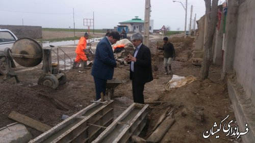 بازدید بخشدار گلدشت از پروژه احداث جدول هدایت آبهای سطحی شهرسیمین شهر