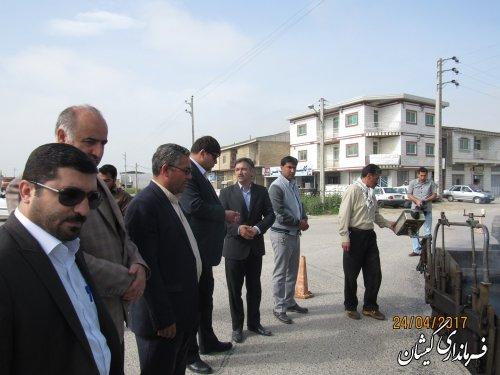 عملیات اجرای آسفالت جاده اصلی روستای خواجه نفس شهرستان آغاز شد
