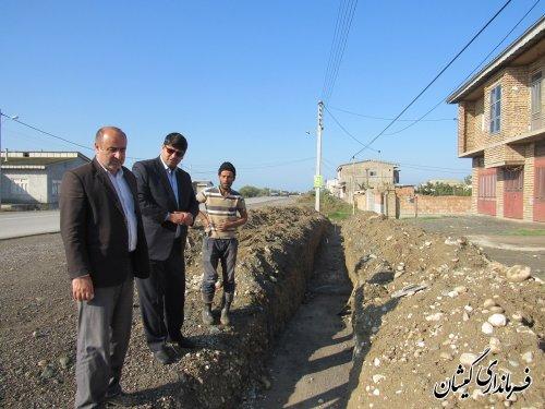 بازدید فرماندار گمیشان از اجرای طرح هادی روستای گامیشلی و توماجلر چارقلی