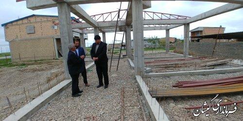 بازدید فرماندار گمیشان از مدرسه در حال ساخت آتا توماج روستای توماجلر چارقلی