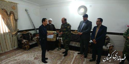 دیدار فرمانده قرارگاه عملیاتی لشکر 30 گرگان و فرماندار  با خانواده شهید داود قره جه