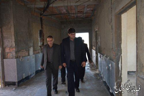 بازدید فرماندار گمیشان و مدیرکل راه و شهرسازی استان از مجتمع فرهنگی و هنری