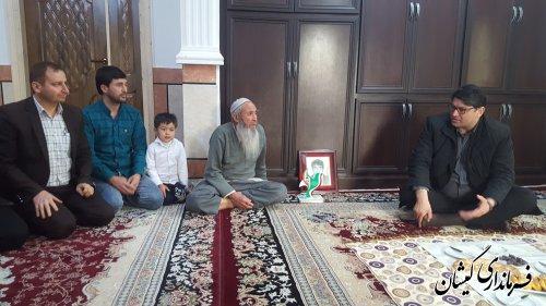 دیدار فرماندارگمیشان با خانواده شهید احمدقدردان توماج