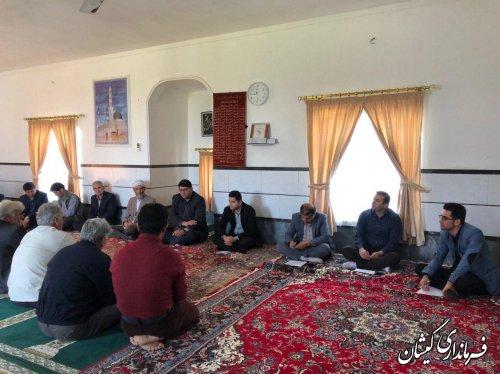 بازدید فرماندار گمیشان از روستای قلعه جیق کوچک و دیدار با مردم