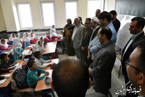 بازدید اعضای کمیسیون آموزش مجلس و فرماندار گمیشان از تعدادی مدرسه آسیب دیده شهرستان