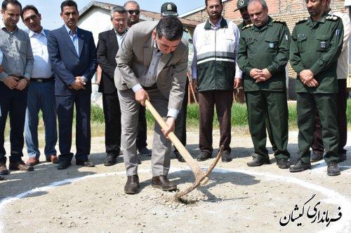 کلنگ زنی احداث واحدمسکونی تخریب شده مددجویان سیل زده بهزیستی روستای قره کیله