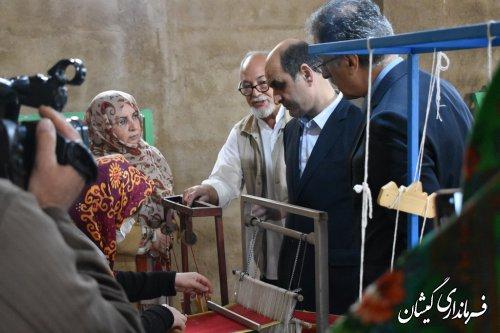 با همراهی فرماندار گمیشان؛ استاندار گلستان از همایش هنرمندان صنایع دستی در گمیشان بازدید کرد